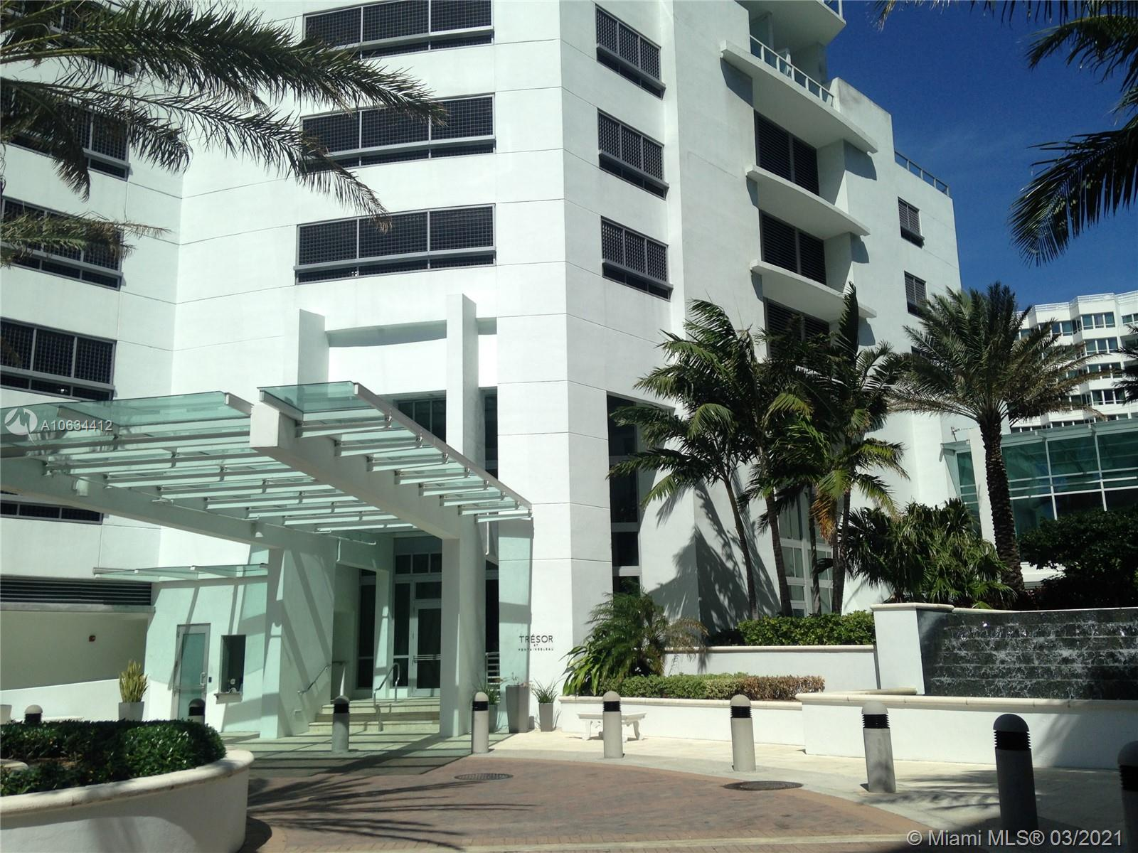 4401 COLLINS AVE