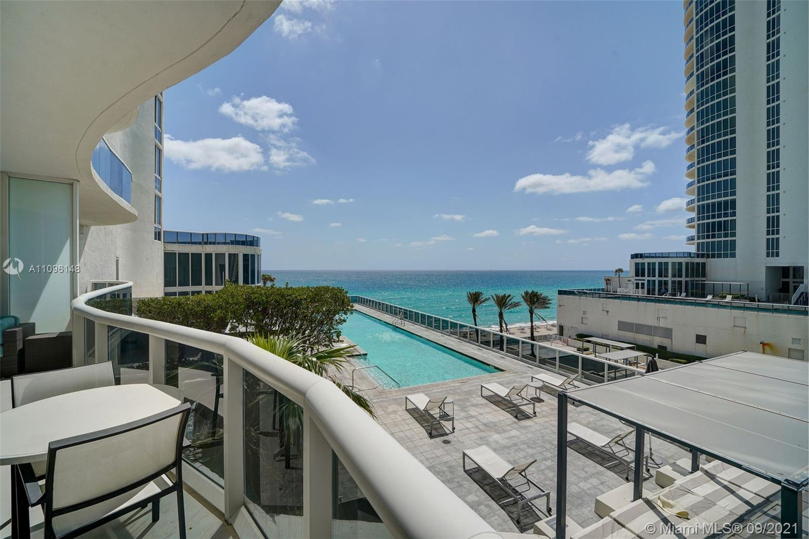 16001 Collins Ave